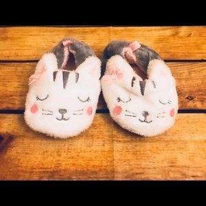 Carter's Cat Slippers Size 4 Infant